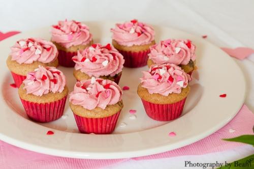 GF Vegan Valentine Cupcakes-4