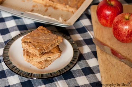 Spiffy Cookie Apple Peanut Bars-2